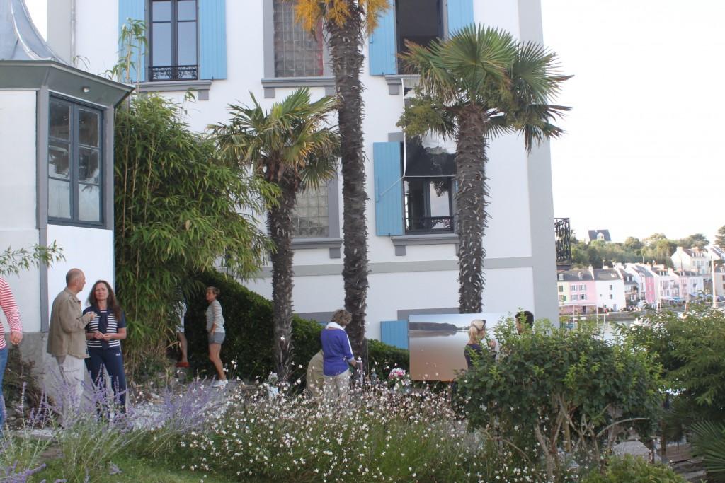 exposition dans le jardin de la villa pen prad